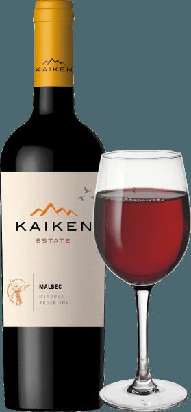 Le Kaiken Malbec est un vin rouge d'Argentine, avec lequel Aurelio Montes - le cerveau de Montes Wines au Chili - a réalisé un rêve qui lui est cher depuis longtemps. Grâce à de nombreuses années d'expérience dans le domaine de la vinification et à une sensibilité sensationnelle pour le terroir et la vigne, ce vin noble a été créé à partir du cépage classique argentin Malbec. Le vin Kaiken répond aux exigences les plus élevées en matière de caractère et de complexité sans pour autant manquer d'élégance juvénile et de diversité aromatique. Le Malbec de Montes Kaiken brille d'un violet profond dans le verre. Au nez, ses arômes de fruits luxuriants se déploient, rappelant les baies sombres, comme les myrtilles et les cassis, mais aussi les fraises mûres et les pruneaux. Elles sont accompagnées de fines notes d'épices et de cacao, de poivre, de café, de vanille et de tabac, qui proviennent du vieillissement en barrique. En bouche, ce vin rouge Kaiken surprend par sa structure souple et son excellent équilibre entre des tanins charnus et le fruit intense des fraises et des myrtilles. Dans sa finale longue et intense, le vieillissement du bois et le terroir unique de Mendoza se reflètent une fois de plus. Culture et vinification du Kaiken Malbec Aurelio Montes est un célèbre expert en vin dont les vins chiliens de Montes ont atteint une renommée mondiale. Avec trois autres experts du vin, il a commencé à produire en 1988 des vins chiliens qui se démarquaient des standards de l'époque et lui ont valu de grands éloges dans l'Ancien Monde. Un nouveau défi l'a attiré en Argentine en 2001, où Aurelio a commencé à acquérir des sites dans les meilleures régions comme Maipu, Cruz de Piedra, Ugarteche, Agrelo et la vallée d'Uco pour ses vins Kaiken. Enfin, en 2003, est sorti le premier millésime du vin Malbec Kaiken, un assemblage de Malbec et de Cabernet Sauvignon qui a su combiner le terroir et le climat de Mendoza. LeKaiken Malbec reflète la prémisse d'Aurelio Montes de produir