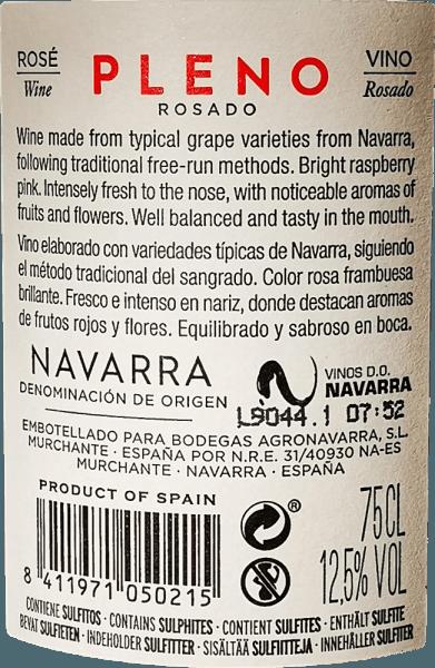 La couleur rose éclatante du Pleno Rosado de Bodegas Agronavarra rappelle celle de la fraise fraîche, qui caractérise également le bouquet fruité et agréablement parfumé. De plus, on perçoit des arômes de framboises et de fleurs de sureau, raffinés par de fines nuances épicées de mélisse et de menthe. En bouche, ce rosé sans complication impressionne par son fruit juteux et sa fraîcheur, ainsi que par sa structure acide compacte et ses tannins discrets. Vinification du Pleno Rosado Le raisin Garnacha récolté à la machine et manuellement est écrasé et soumis à une fermentation à température contrôlée dans des cuves en acier inoxydable. Le vin est ensuite affiné en cuve pendant quelques mois et enfin mis en bouteille. Recommandation alimentaire pour l'Agronavarra Pleno Rosado Nous recommandons ce merveilleux rosé Garnacha de Navarre, dans le nord de l'Espagne, pour les salades, les pizzas, les pâtes avec des sauces sombres, les grillades et le poisson.