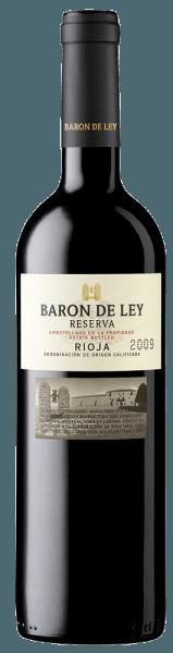 Presque intact par les années de maturation, le vin se présente d'un rouge cerise profond dans le verre.Le bouquet de la Reserva du Baron de Ley est très concentré et a besoin d'un certain temps pour s'ouvrir. Après une heure d'aération, il révèle une variété aromatique complexe de notes de graphite et de fumée sur un fond de saveurs de fruits rouges qui deviennent plus complexes. Pour en savoir plus, consultez l'expertise du Barón de Ley Reserva.