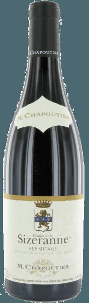 L'Ermitage du Monier de la Sizeranne apparaît dans le verre d'un rouge grenat profond, traversé de reflets violets. Le merveilleux bouquet de ce vin contient des arômes fruités de baies rouges, telles que les framboises et les groseilles, ainsi que des notes de réglisse et de poivre. En bouche, ce vin rouge est rond et élégant, concentré et doté de tanins doux. La finale de ce vin est marquée par les fruits rouges et le poivre déjà perçus. Vinification de l'Ermitage Monier de la Sizeranne L'Hermitage est situé sur le Rhône septentrional et couvre environ 136 hectares de vignes. Les vignes poussent sur des sables de granit et de quartz recouverts de schiste micacé et de gneiss. Le climat est d'influence méditerranéenne et, avec son exposition au sud, l'Hermitage offre aux vignes une protection contre les vents froids du nord. Après la récolte manuelle, les raisins sont égrappés, c'est-à-dire débarrassés de leurs tiges et de leurs rafles, pressés puis fermentés à température contrôlée dans des cuves en béton. Le vin s'affine ensuite pendant 12 à 14 mois dans des fûts en bois. Recommandation alimentaire pour l'Ermitage du Monier de la Sizeranne Ce vin rouge sec accompagne les viandes courtes rôties (entrecôte, rumsteck ou côtelettes d'agneau) ou les grillades et le gibier. Récompenses pour l'Ermitage Monier de la Sizeranne The Wine Advocate - Robert Parker : 92 points Wine Spectator : 92 points